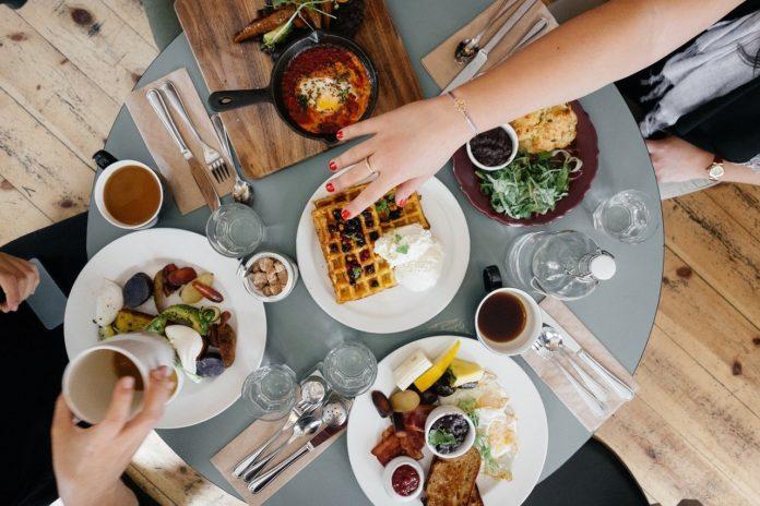 restaurante comida desayuno